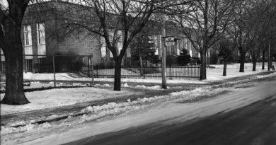 Leaside Public School
