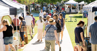 Arts fair on Danforth