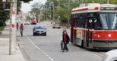 Traffic waiting behind streetcar