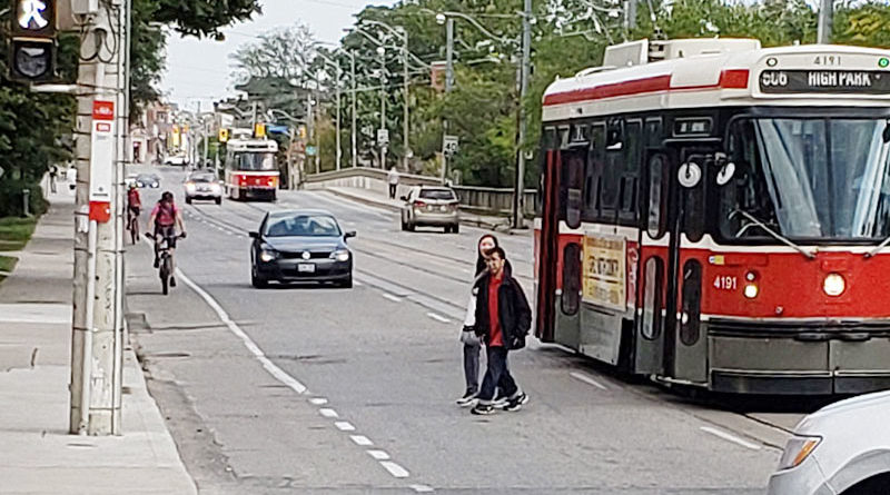 Traffic waiting behind streetcar