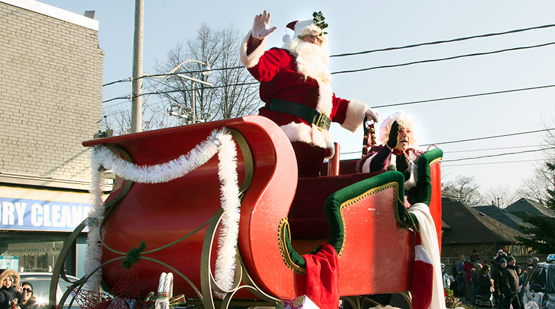 Santa and Mrs. Claus at the Beaches Santa Claus Parade