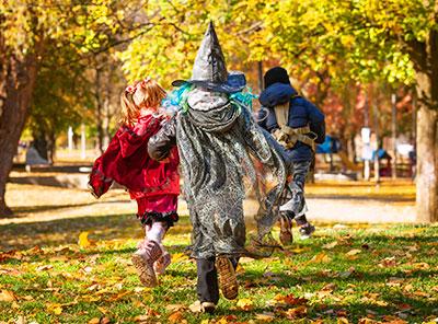 Halloween Quest kids in costume
