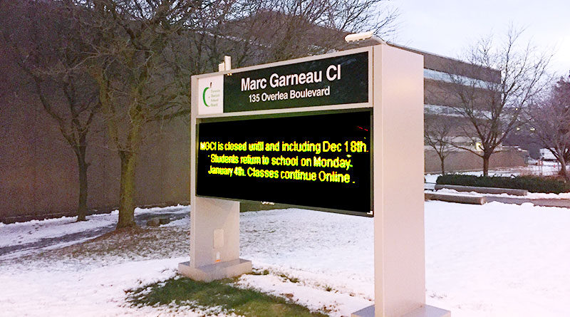 Marc Garneau sign