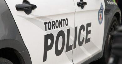 Police seek suspects in back robberies