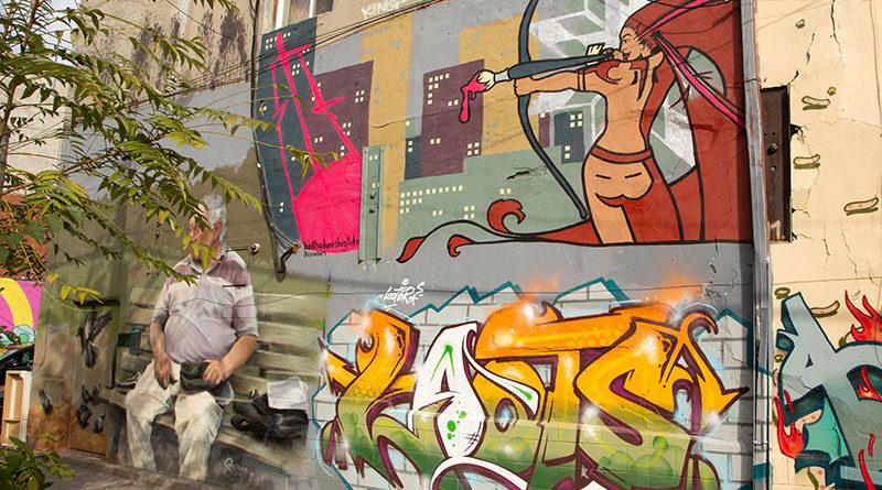 El Mocambo lane murals